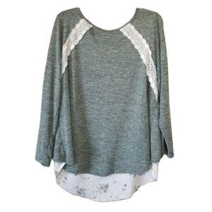 Rewind top. Crossover back, Lace front, size 1X